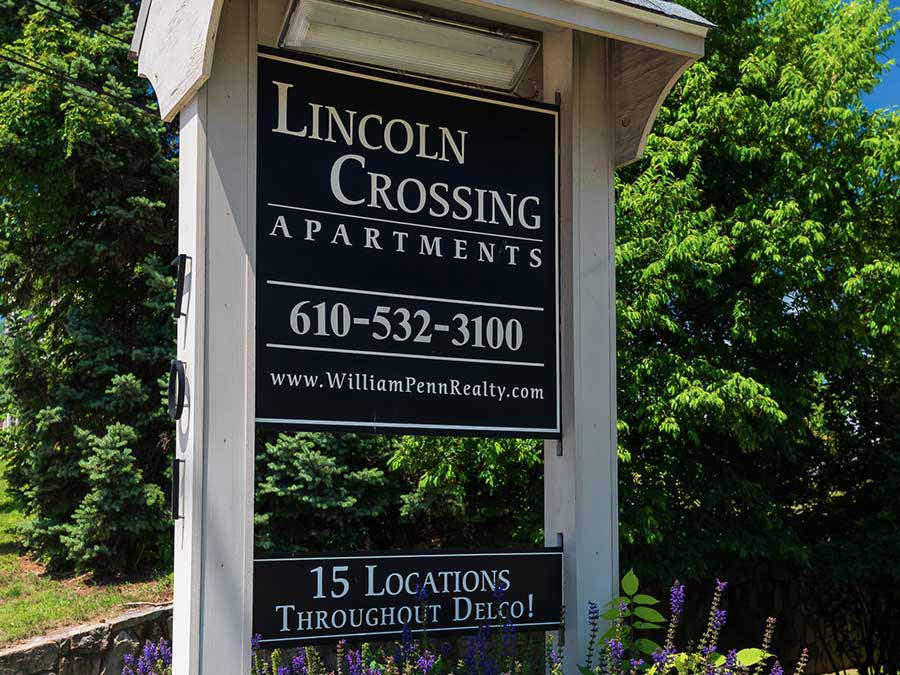 Lincoln-Crossing-gallery-02
