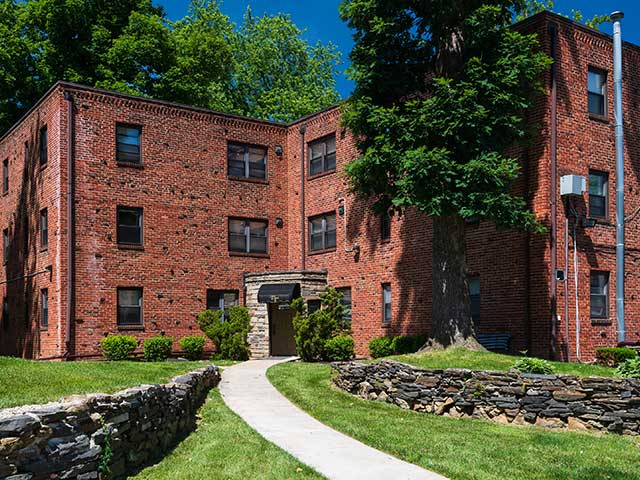 Tall Trees Village Apartments In Drexel Hill Pa